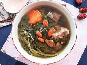 Watercress with pork ribs soup