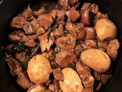 Braised pork belly in soy sauce