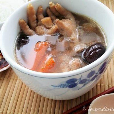 Chicken Feet Peanut Soup