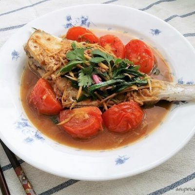 fried fish in yellow bean sauce