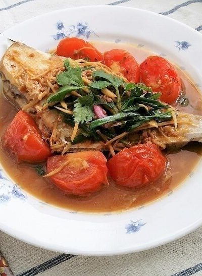Fried Leatherjacket Fish in Yellow Bean Sauce