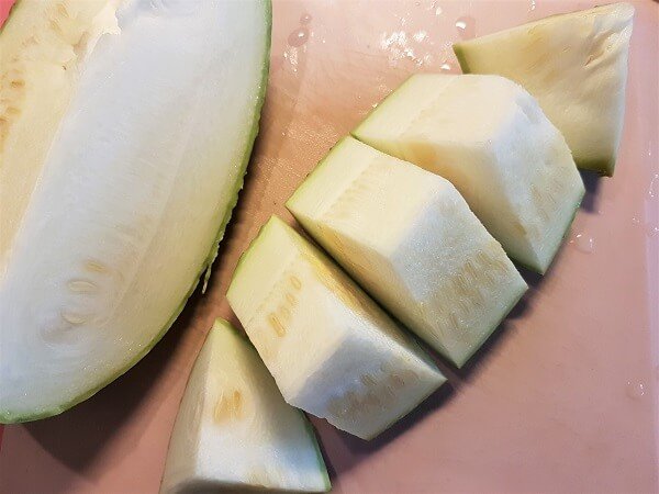 Sliced shark fin melon