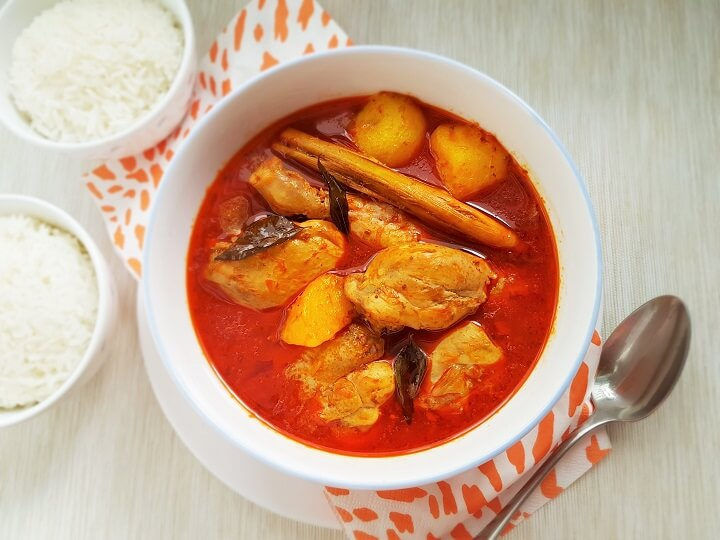 Easy Curry Chicken Recipe with Potatoes and Yogurt