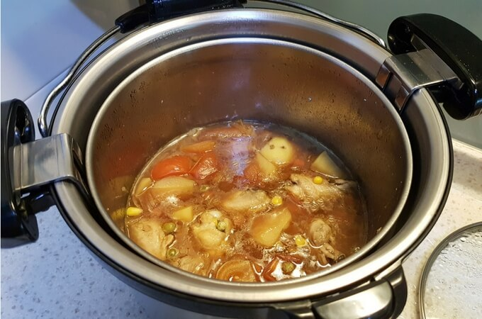 Slow cooking in a thermal cooker