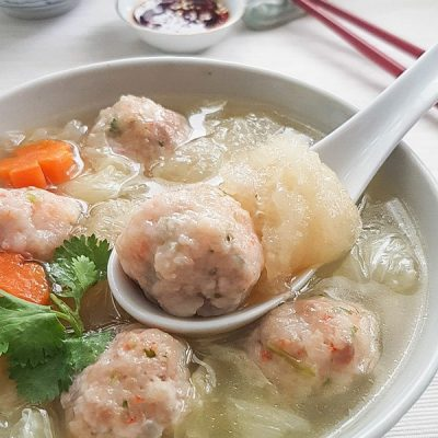 Fish Maw with Prawn Meat Balls Soup