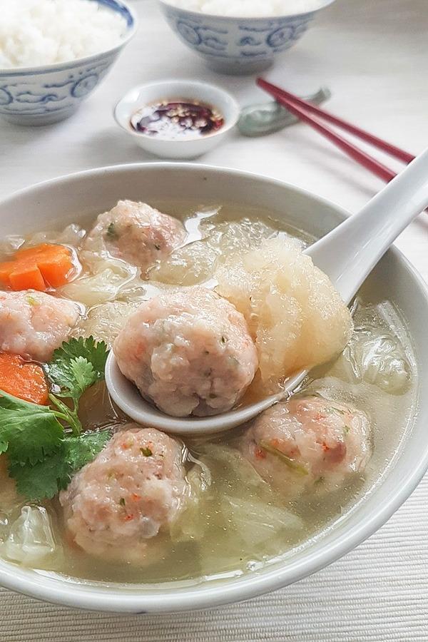 Fish Maw Soup with Prawn Balls